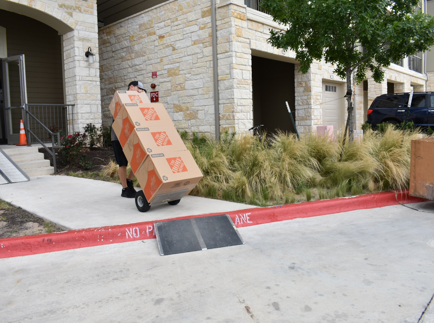 Pictured: a Mighty Might mover with some Home Depot boxes.